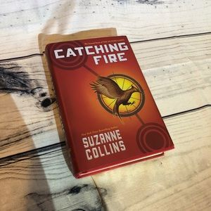 3/$10 - Catching fire hunger games book